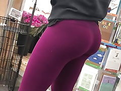 Uber-sexy Nubile in Tights Candid